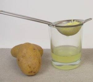 сок, отжатый из тертого сырого картофеля