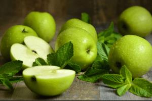 зеленых яблок