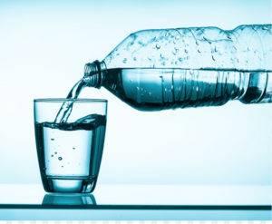 выпивать не менее 1,5 л воды