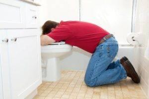 остановить рвоту в домашних условиях народными средствами