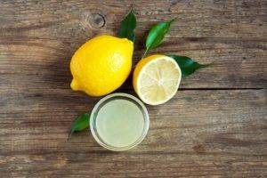 Пить лимонный сок