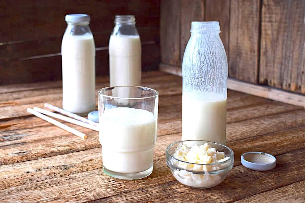 стакан нежирного молока, йогурта или кефира