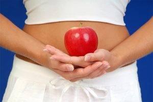 После яблок болит живот причины