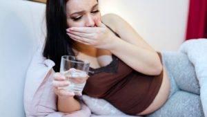 Причины тошноты у женщин
