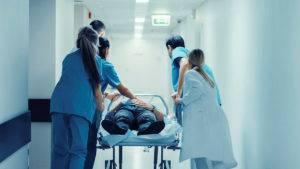 Больной псевдомембранозным энтеритом в обязательном порядке должен быть госпитализирован